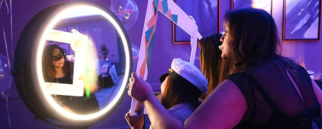 photo-booth-ideas-for-corporate-events-header-min
